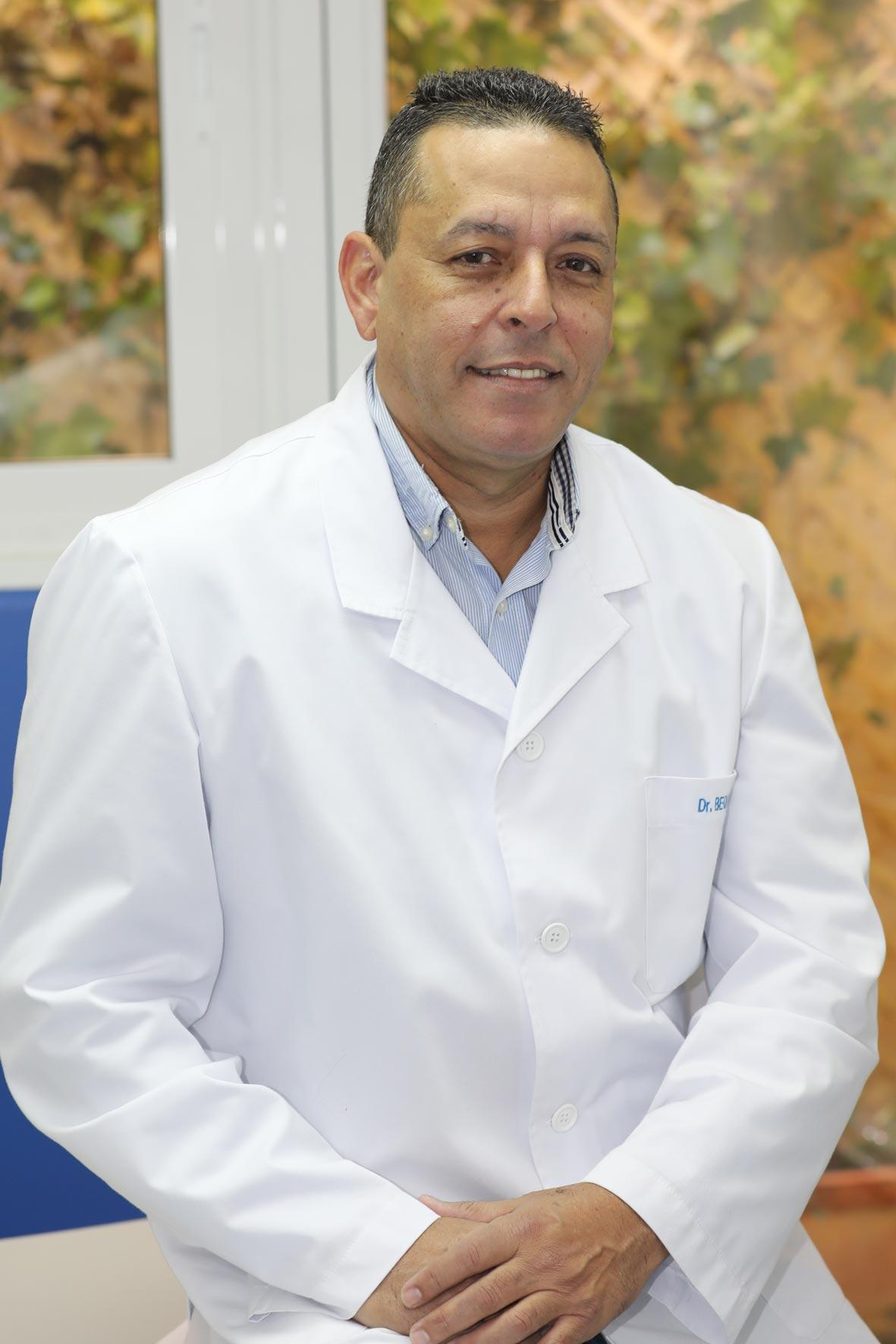 Dr. Mario Bequer